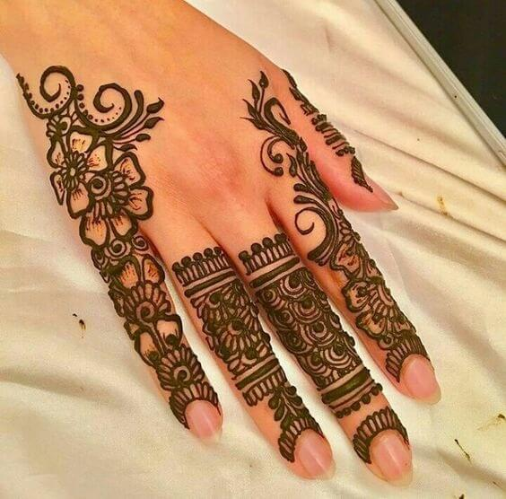 Backhand easy mehndi design with flowers