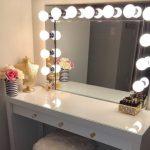 Vanity Mirrors Are Trending