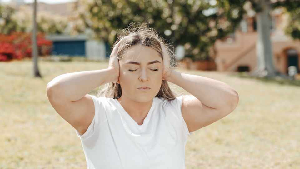 Sharp Ear Pain COVID - Can Covid-19 Affect Your Ears?